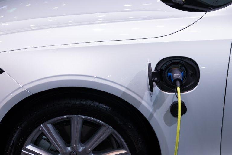 Nieuw bij Klaver: laadpalen voor je auto's